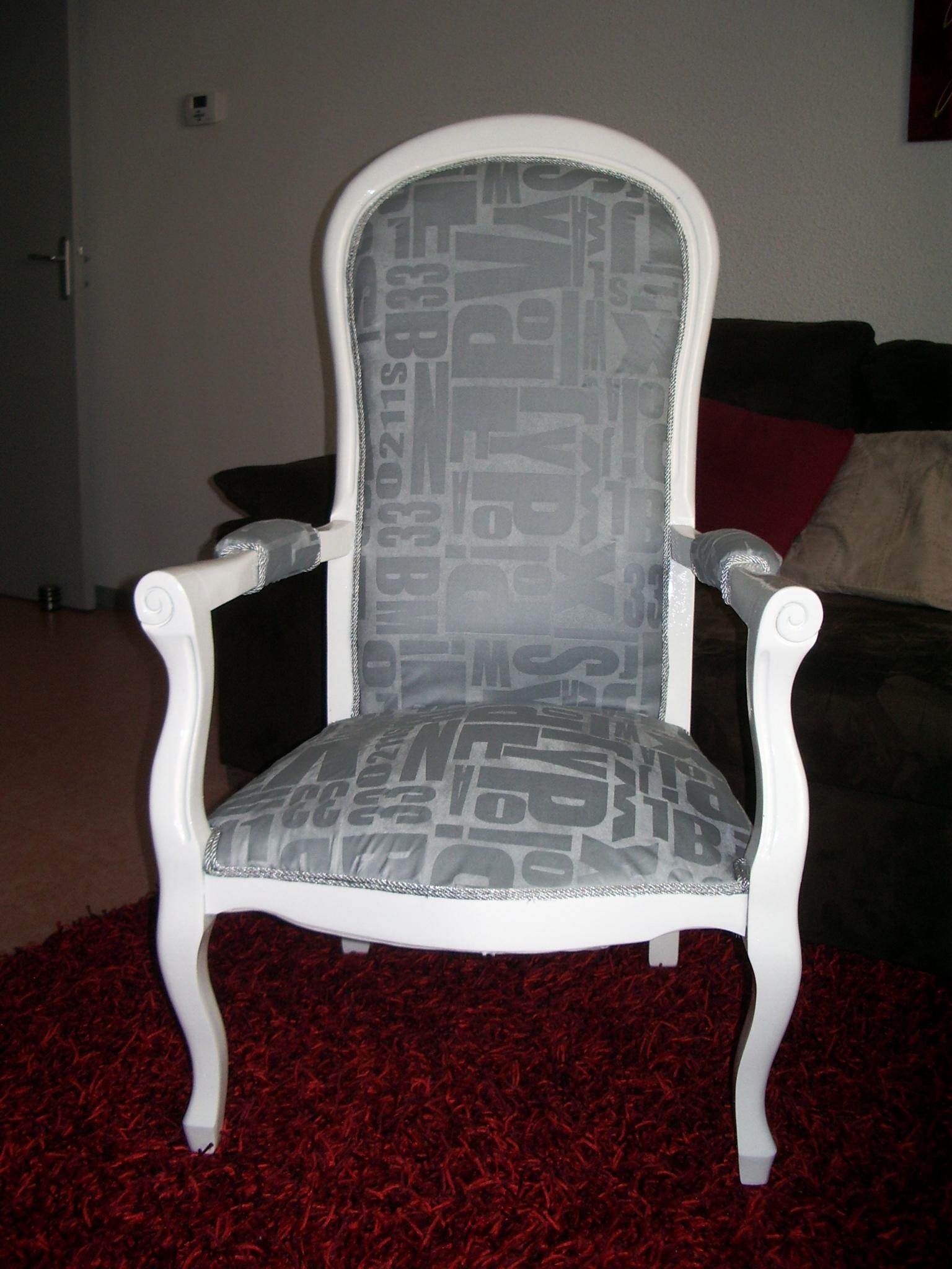 conseils pour relooker un fauteuil relooker un meuble. Black Bedroom Furniture Sets. Home Design Ideas