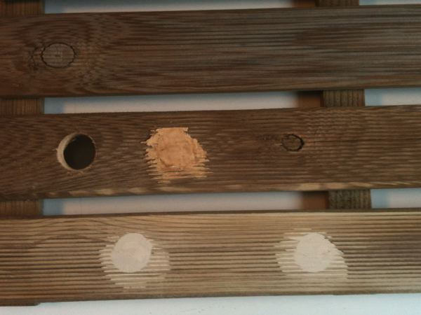 Comment reboucher des trous et fissures sur un meuble en bois  ~ Comment Utiliser La Pate A Bois