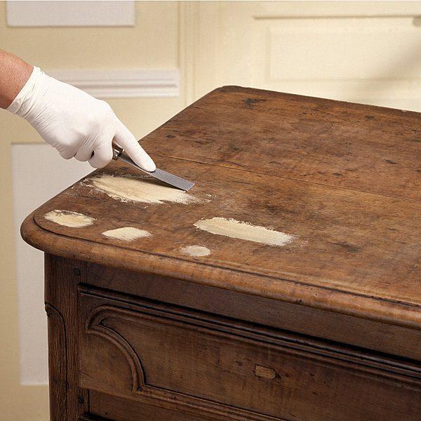 merveilleux Comment reboucher des trous et fissures sur un meuble en bois ?