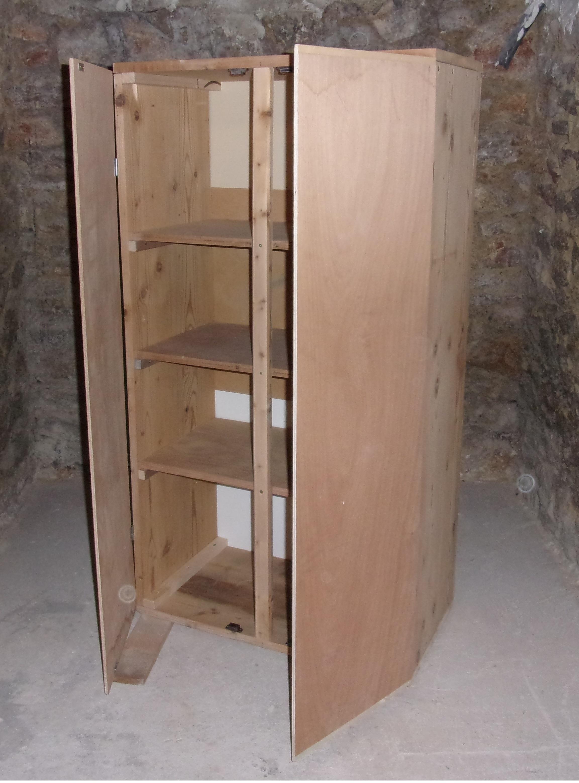 R alisation d 39 une petite armoire relooker meubles - Systeme fermeture porte meuble ...