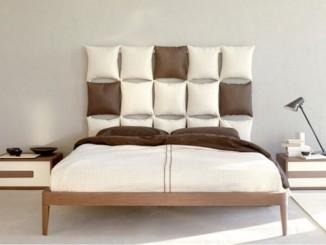 tête de lit en oreillers