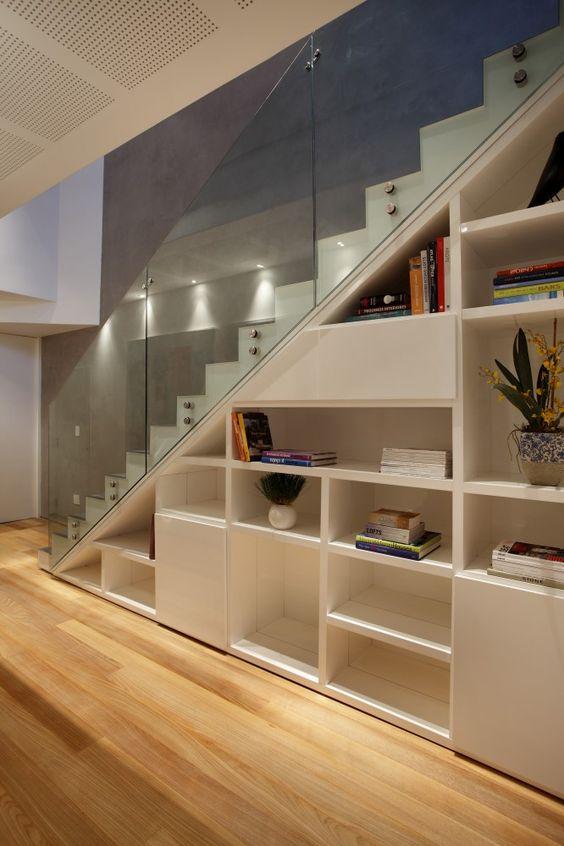 comment optimiser l 39 espace sous l 39 escalier relooker meubles. Black Bedroom Furniture Sets. Home Design Ideas
