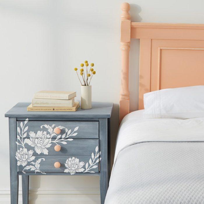 repeindre un lit en bois peinture effet vieilli gris galerie avec peinture effet beton. Black Bedroom Furniture Sets. Home Design Ideas