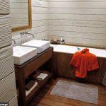trio-de-bois-dans-la-salle-de-bains_4635110